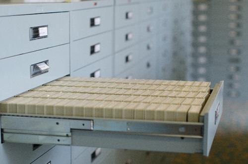 昔の図書館のセキュリティ対策とは?